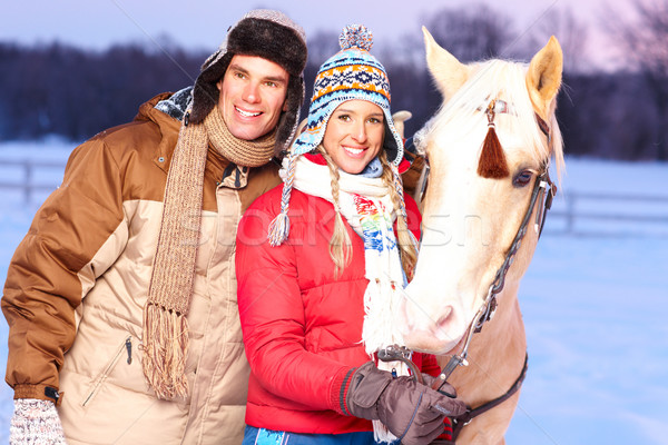 Amor Pareja jóvenes feliz sonriendo caballo Foto stock © Kurhan