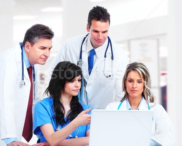 Orvosi orvosok csoport kórház üzlet férfi Stock fotó © Kurhan
