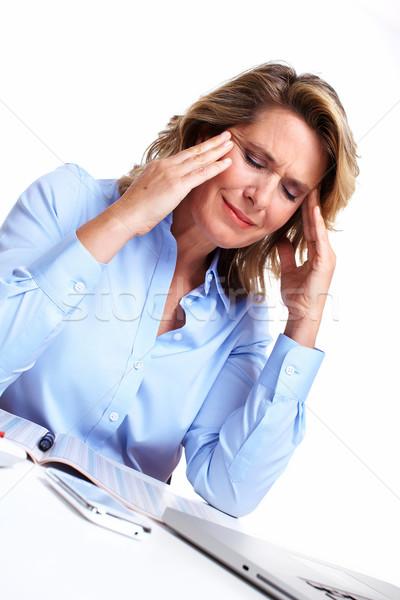 Foto stock: Mujer · de · negocios · dolor · de · cabeza · aislado · blanco · oficina · manos