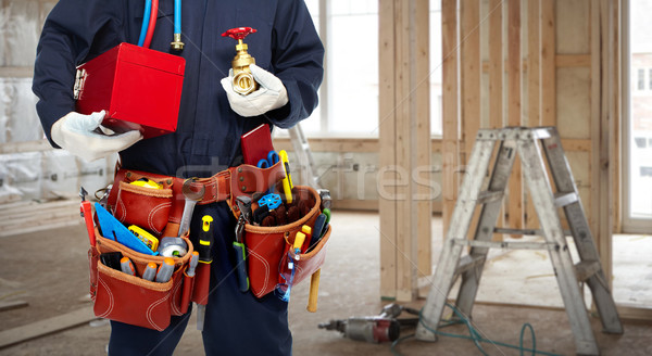 ストックフォト: 配管 · 手 · 給水栓 · キッチン · 手 · 男