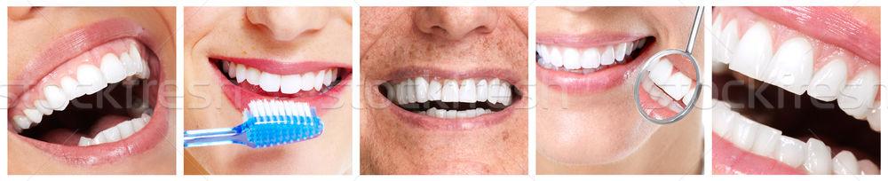 Dişler diş fırçası mutlu insanlar gülümseme diş ayarlamak Stok fotoğraf © Kurhan