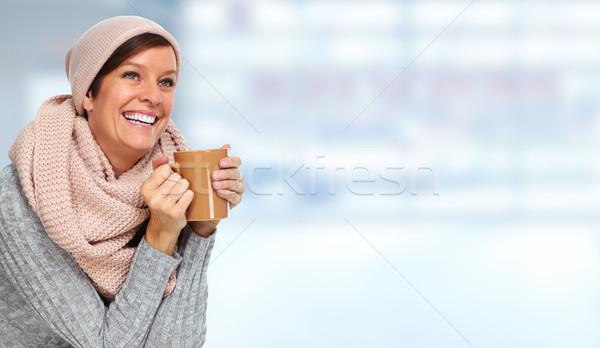 érett nő sál kávésbögre gyönyörű nő ház nő Stock fotó © Kurhan