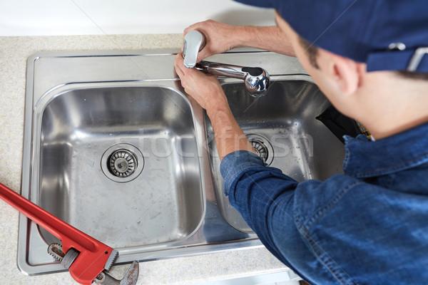 Encanador profissional reparação cozinha casa água Foto stock © Kurhan