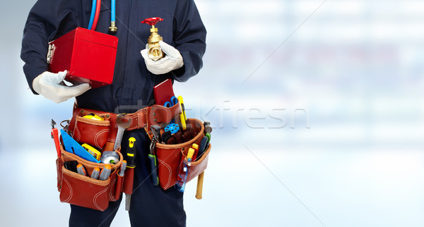 配管 手 給水栓 青 バナー 手 ストックフォト © Kurhan