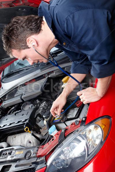 Stock fotó: Autó · javítás · jóképű · szerelő · dolgozik · bolt