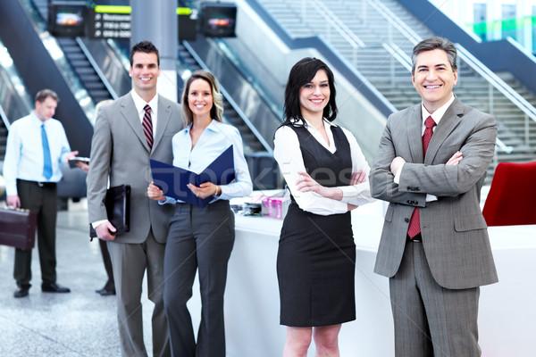 üzletemberek csoport modern városi előcsarnok üzlet Stock fotó © Kurhan