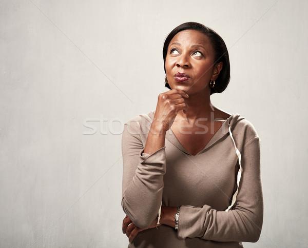 Myślenia Afryki kobieta rozwiązanie szary Zdjęcia stock © Kurhan