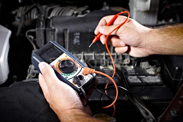 Mecánico de automóviles de trabajo garaje reparación servicio mano Foto stock © Kurhan