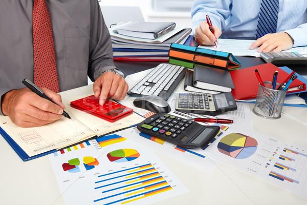Kezek könyvelő férfi üzletember számológép könyvelés Stock fotó © Kurhan