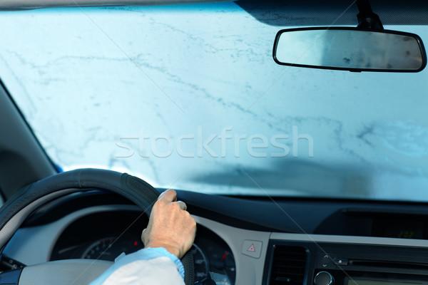 Mulher condução congelada pára-brisas motorista seguro Foto stock © Kurhan