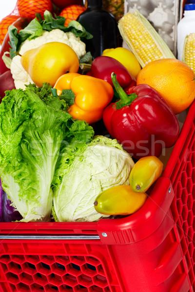 Bevásárlókosár élelmiszer étel narancs bolt áruház Stock fotó © Kurhan