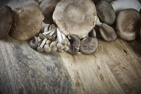 Funghi commestibile tavolo in legno alimentare tavola mangiare Foto d'archivio © Kurhan
