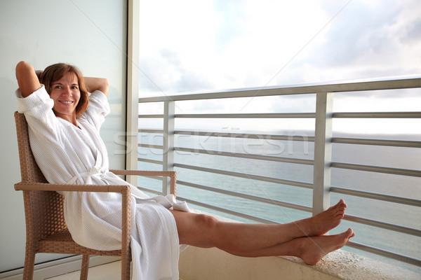 Vrouw Miami strand hotel balkon hemel Stockfoto © Kurhan