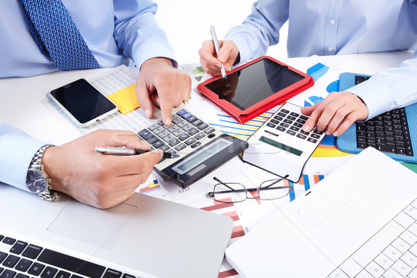 Stockfoto: Business · team · werken · kantoor · hand · calculator · financieren