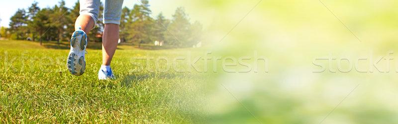 Jogging vrouw benen jonge gezonde zomer Stockfoto © Kurhan