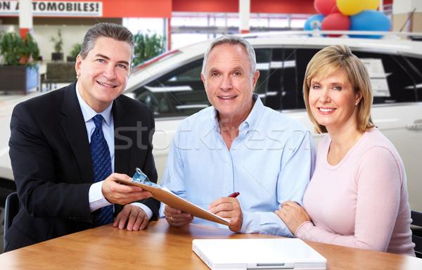 Couple de personnes âgées agent parler homme Auto Photo stock © Kurhan