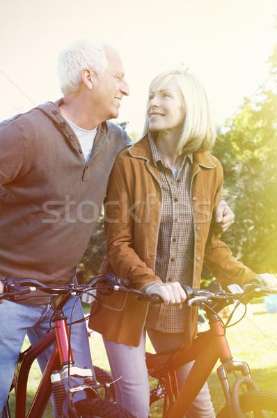 Idős emberek kettő kopott mosolyog emberek család Stock fotó © Kurhan