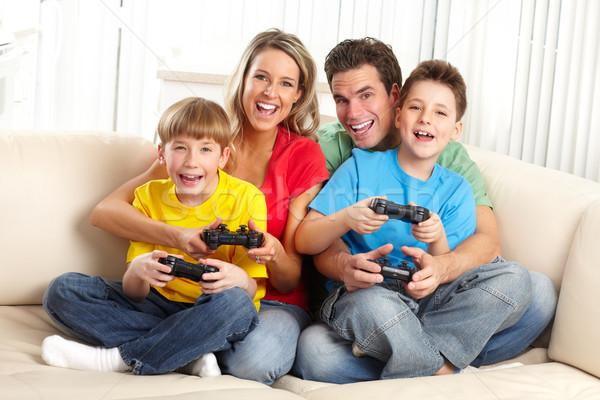 Foto d'archivio: Famiglia · felice · padre · madre · bambini · giocare · videogioco