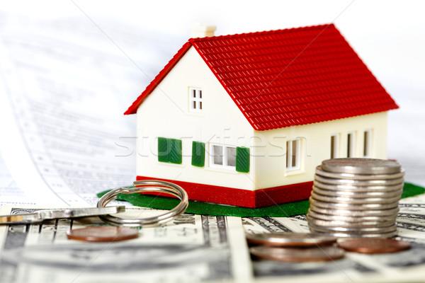 Сток-фото: семьи · дома · деньги · договор · недвижимости · здании