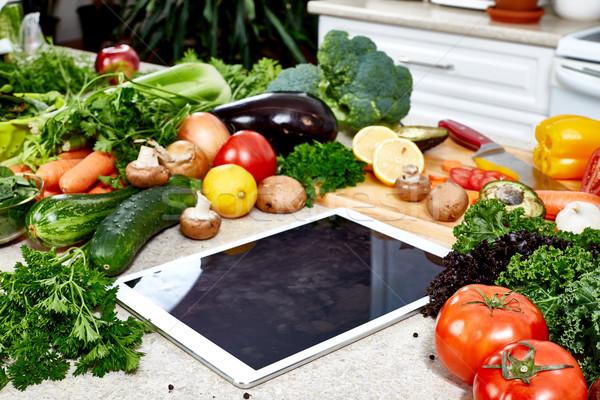 Kuchnia warzyw żywności technologii tabeli Zdjęcia stock © Kurhan