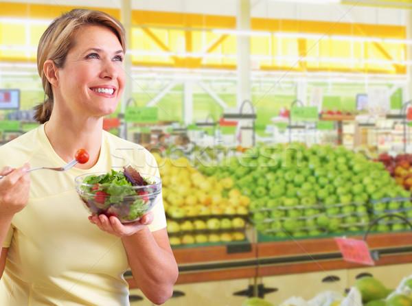 Zdjęcia stock: Jedzenie · Sałatka · diety · odżywianie · kobieta