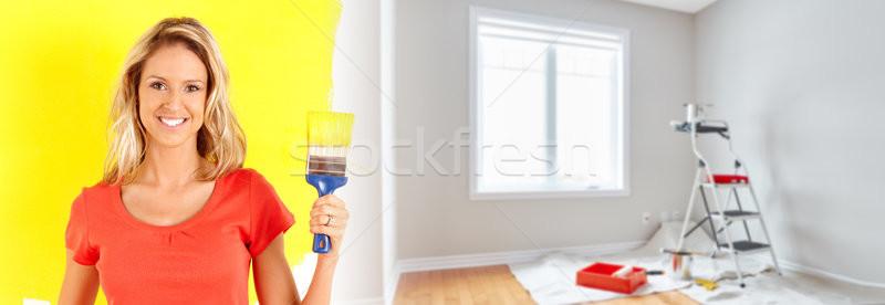 Ház rendbehoz fiatal gyönyörű nő ecset otthon Stock fotó © Kurhan