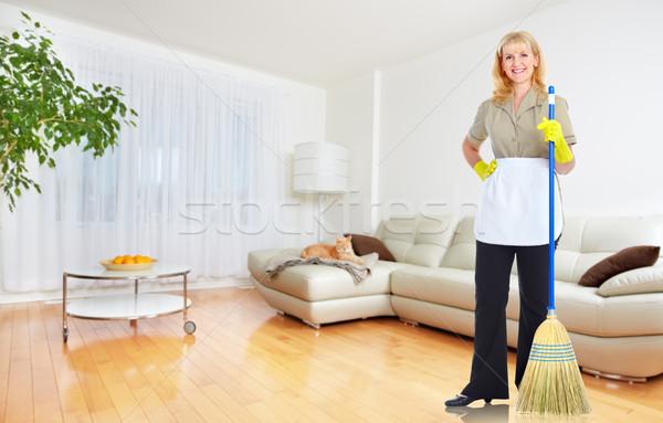 Szobalány nő seprű ház takarítás szolgáltatás Stock fotó © Kurhan