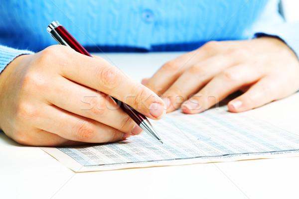 Mujer de negocios relleno documento manos impuesto forma Foto stock © Kurhan