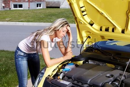 Donna auto rotta auto riparazione servizio help Foto d'archivio © Kurhan