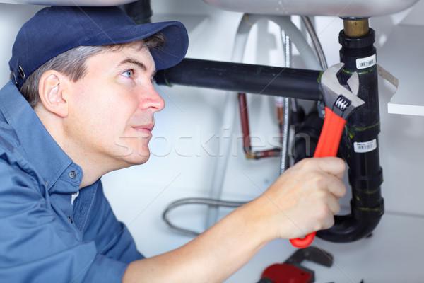 Vízvezetékszerelő érett megjavít mosdókagyló konyha férfi Stock fotó © Kurhan