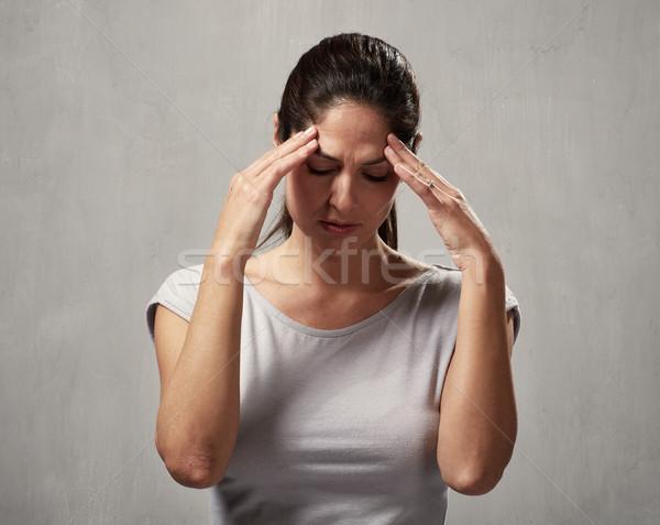 Kadın baş ağrısı genç kadın depresyon ruh sağlığı el Stok fotoğraf © Kurhan