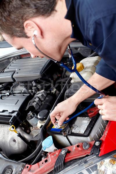 Stock fotó: Autószerelő · jóképű · szerelő · dolgozik · autó · javítás