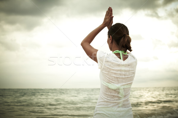 Foto stock: Mulher · ioga · praia · férias · água · feliz