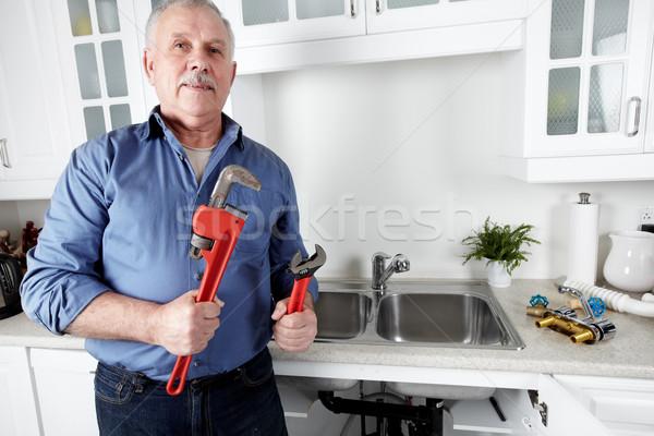 ストックフォト: 配管 · キッチン · レンチ · 男 · ホーム · 背景