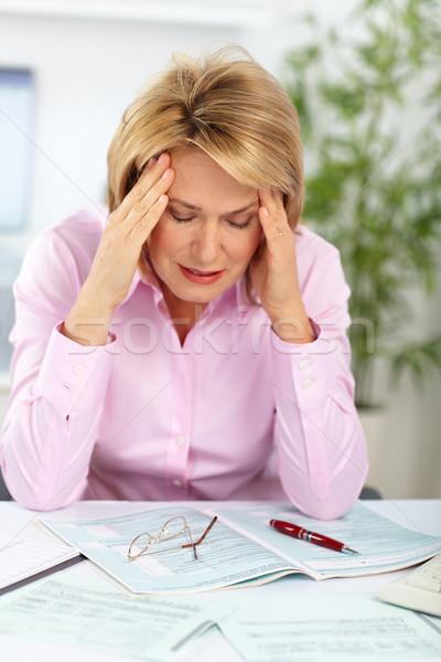 Business signora mal di testa moderno ufficio computer Foto d'archivio © Kurhan