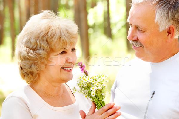 Glücklich ältere Paar lächelnd Liebe Freien Stock foto © Kurhan