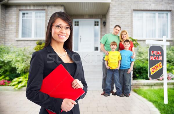 Asian makelaar vrouw home verkoop Stockfoto © Kurhan