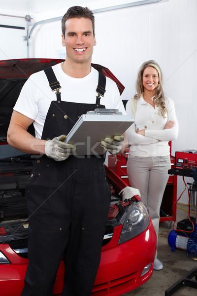 Automonteur knap monteur werken auto reparatie Stockfoto © Kurhan