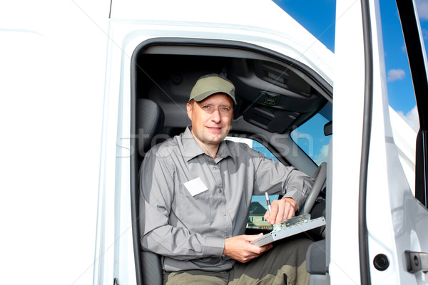 Сток-фото: красивый · грузовика · драйвера · улыбаясь · автомобилей · доставки