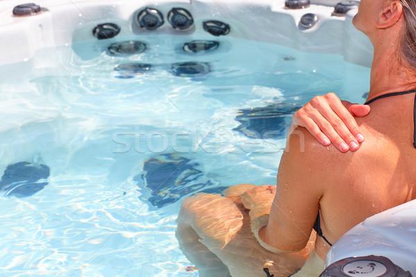 ストックフォト: 美人 · リラックス · 温水浴槽 · 小さな · 水 · 健康