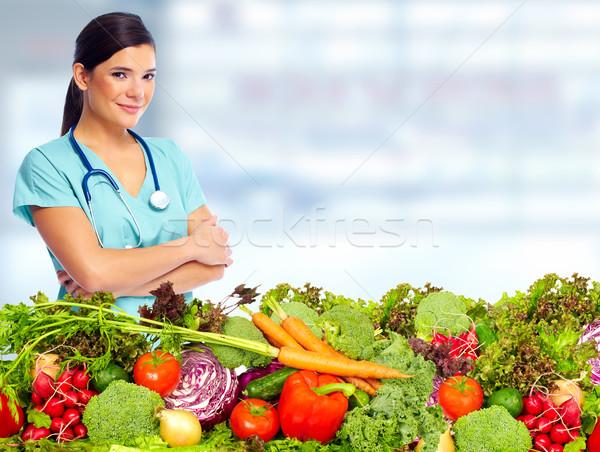 Médico nutricionista legumes mulher dieta saudável nutrição Foto stock © Kurhan
