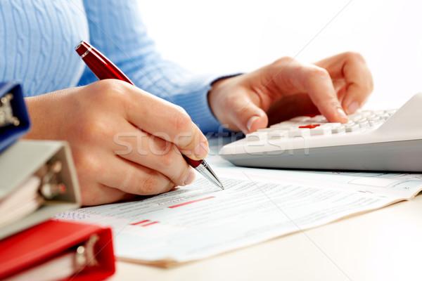 Handen boekhouder vrouw zakenvrouw werken calculator Stockfoto © Kurhan