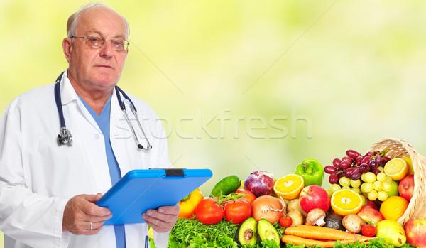 Senior Arzt Mann Gesundheitspflege medizinischen Essen Stock foto © Kurhan