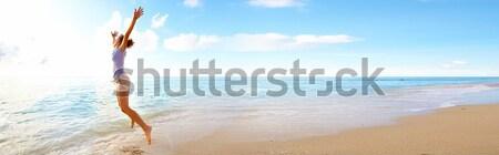 Gelukkig vrouw Miami strand lopen vakantie Stockfoto © Kurhan