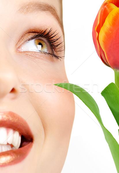 Stock foto: Frau · schöne · Frau · schauen · rot · Tulpe · Blume