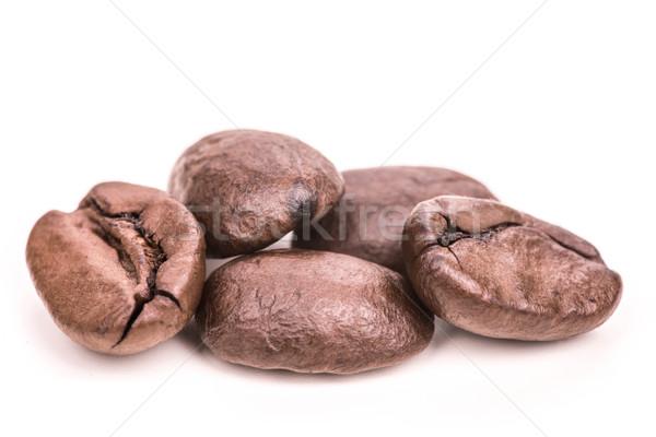 Grains de café isolé blanche alimentaire Photo stock © kurkalukas