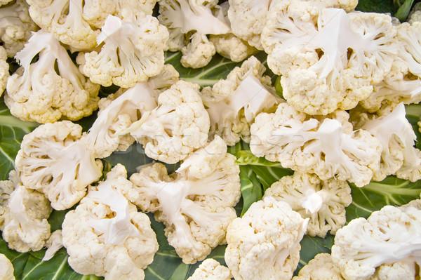 Orgânico branco couve-flor quebrado primavera comida Foto stock © Kuzeytac