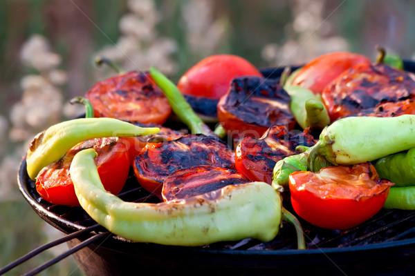 Tomates pimentas peixe grelhar churrasco fresco Foto stock © Kuzeytac