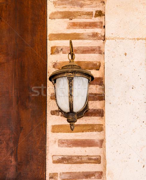 Lamp opknoping muur onlangs houten muur Stockfoto © Kuzeytac