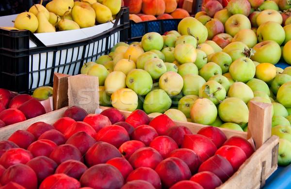 Vers organisch vruchten straat markt nectarine Stockfoto © Kuzeytac